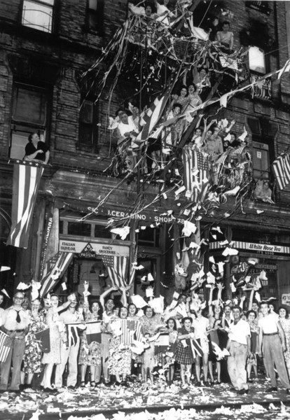 NEW YORK CELEBRATES V-J DAY